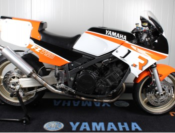 Project Ros Racing; onze Yamaha FZ-750 classic racer is KLAAR!